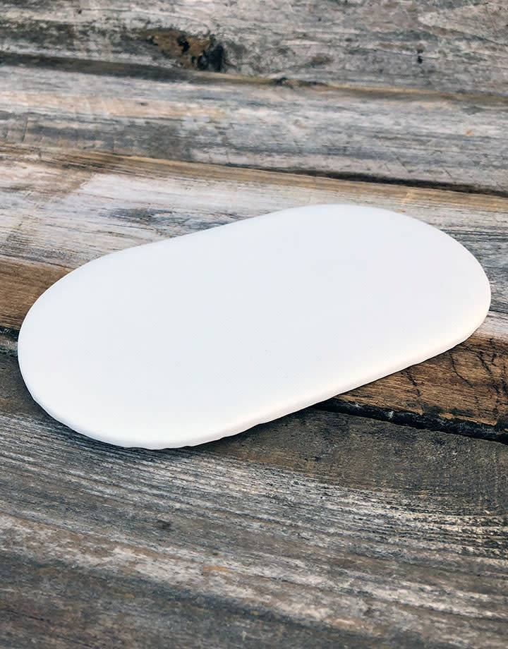 DIS6312 = White Leatherette Oval Display Pad 4'' x 7''