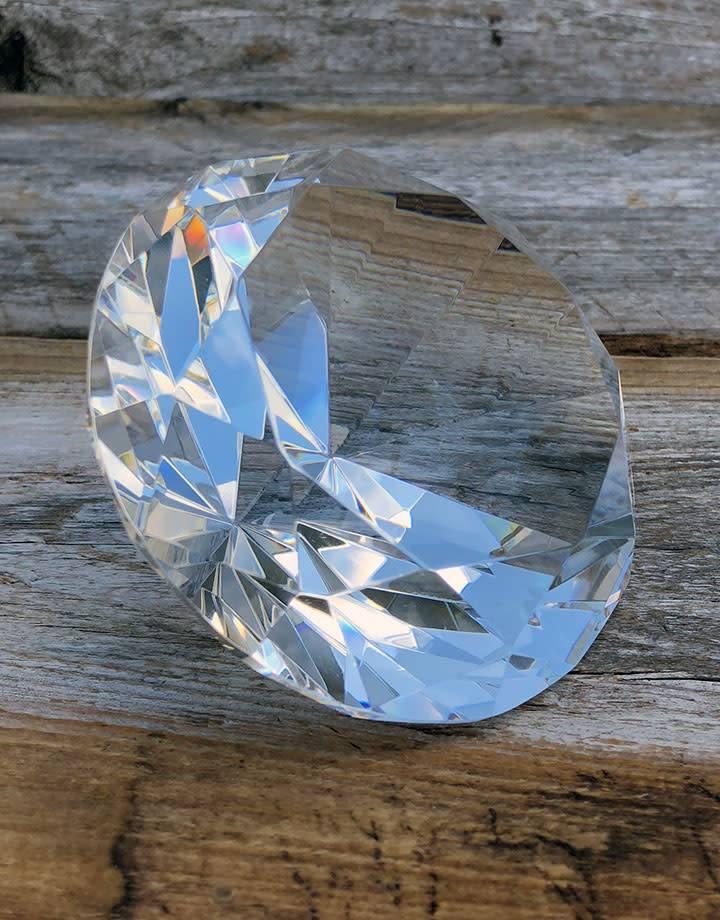 "DIS9714 = CRYSTAL CUT GLASS DISPLAY -3-1/2"" dia"