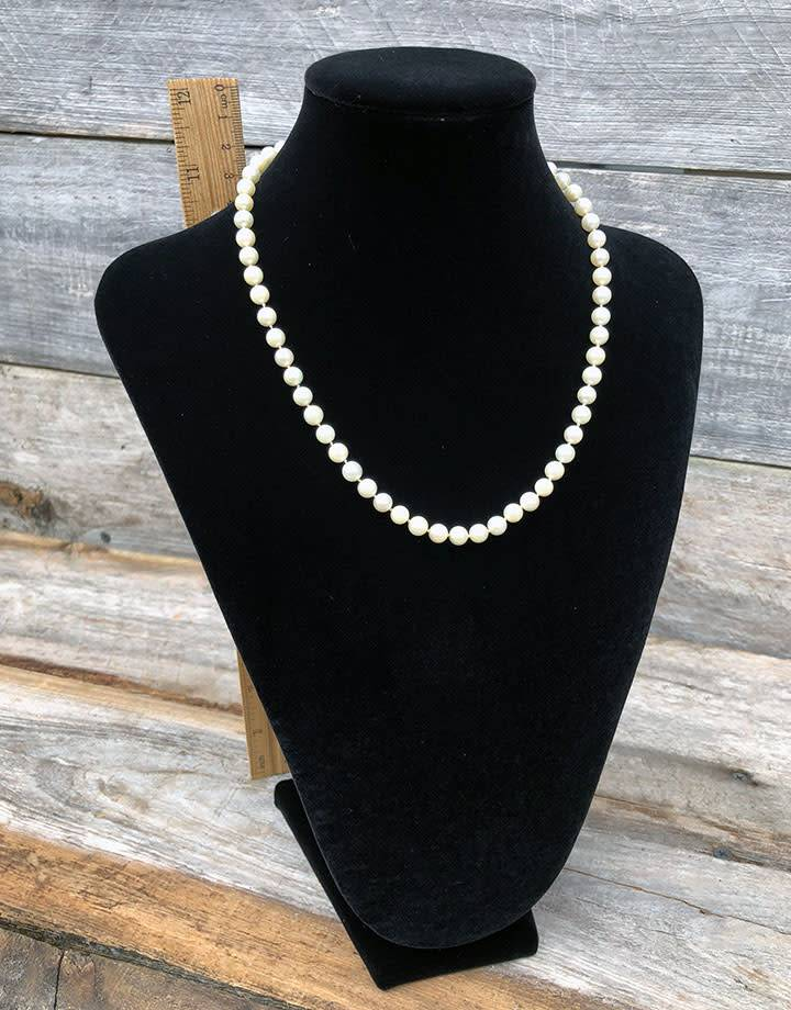 DCH1867 = Black Value Velvet Necklace Display 12-3/4''H x 8-3/4''W