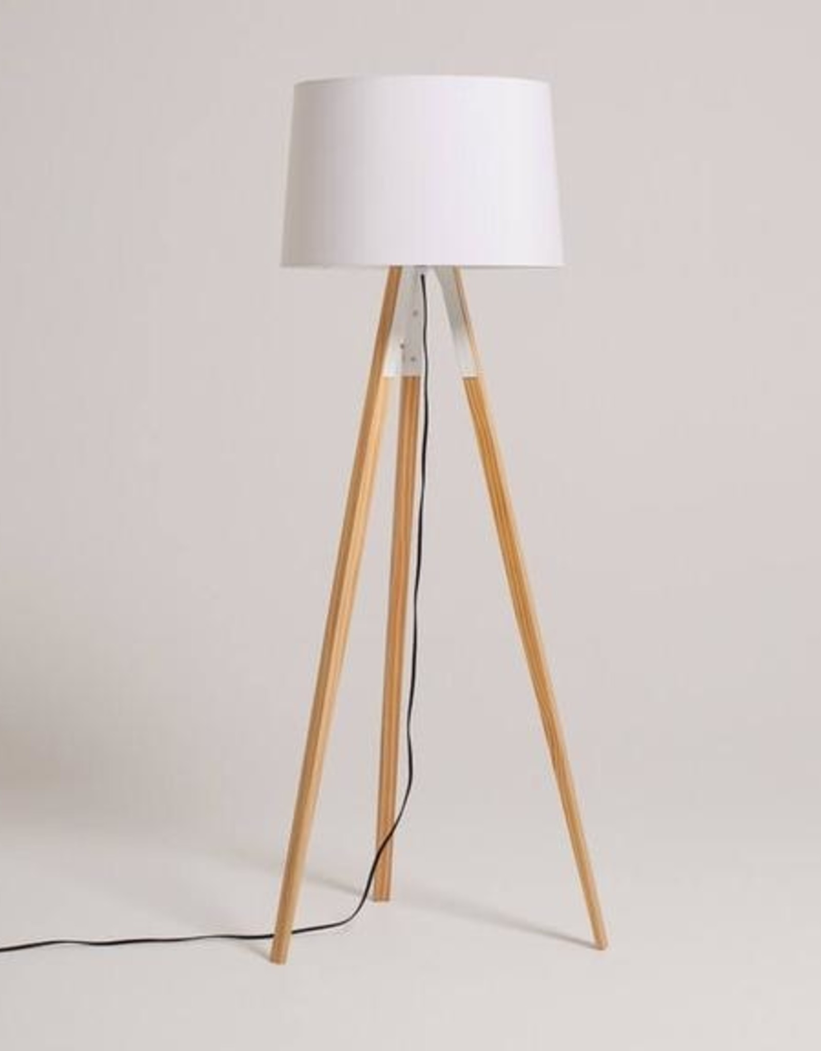 EQ3 Axle Floor Lamp - White