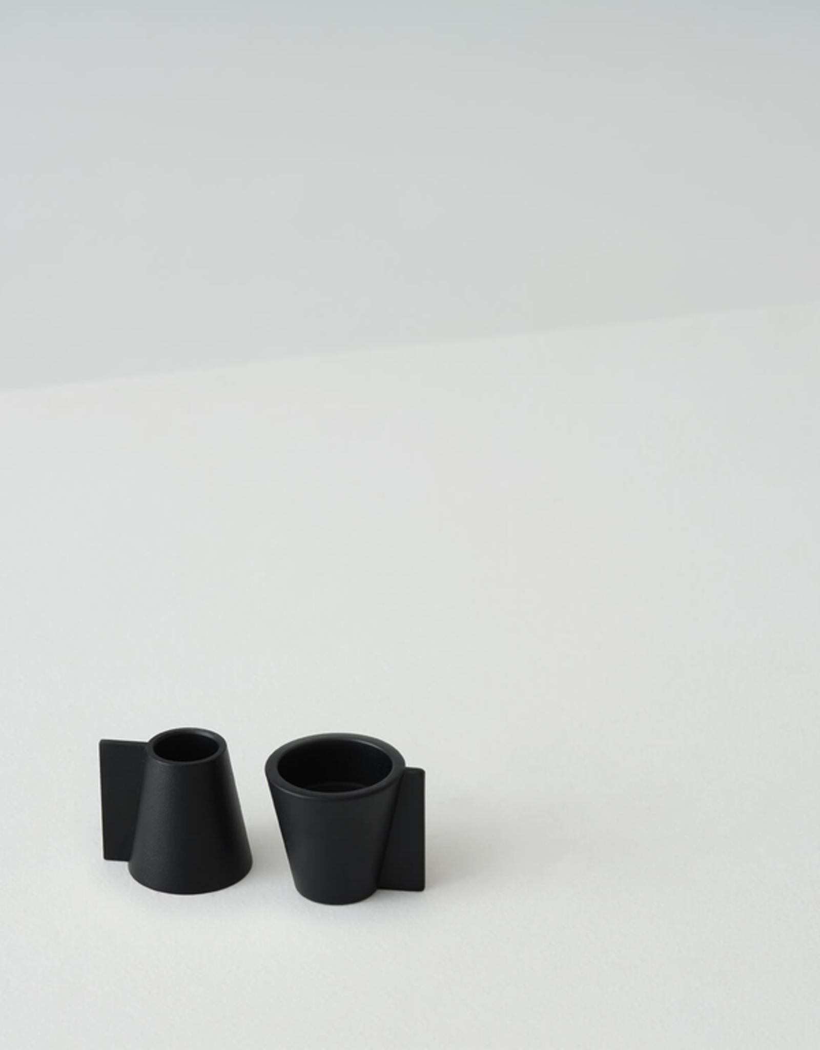 Pitch Candle Holder (Single)
