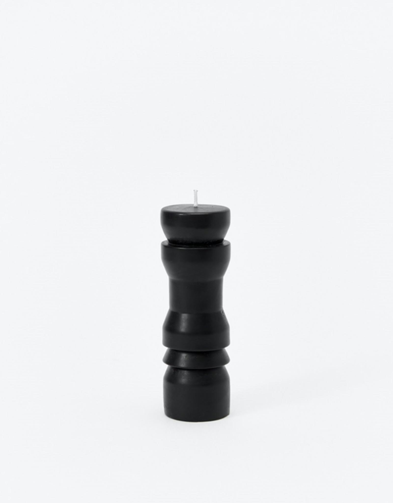 Sculpted Candle Black, Medium
