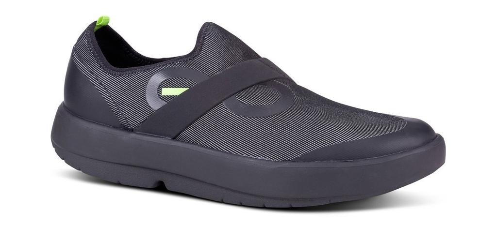 Oofos Men's OOmg Low Fiber Shoe