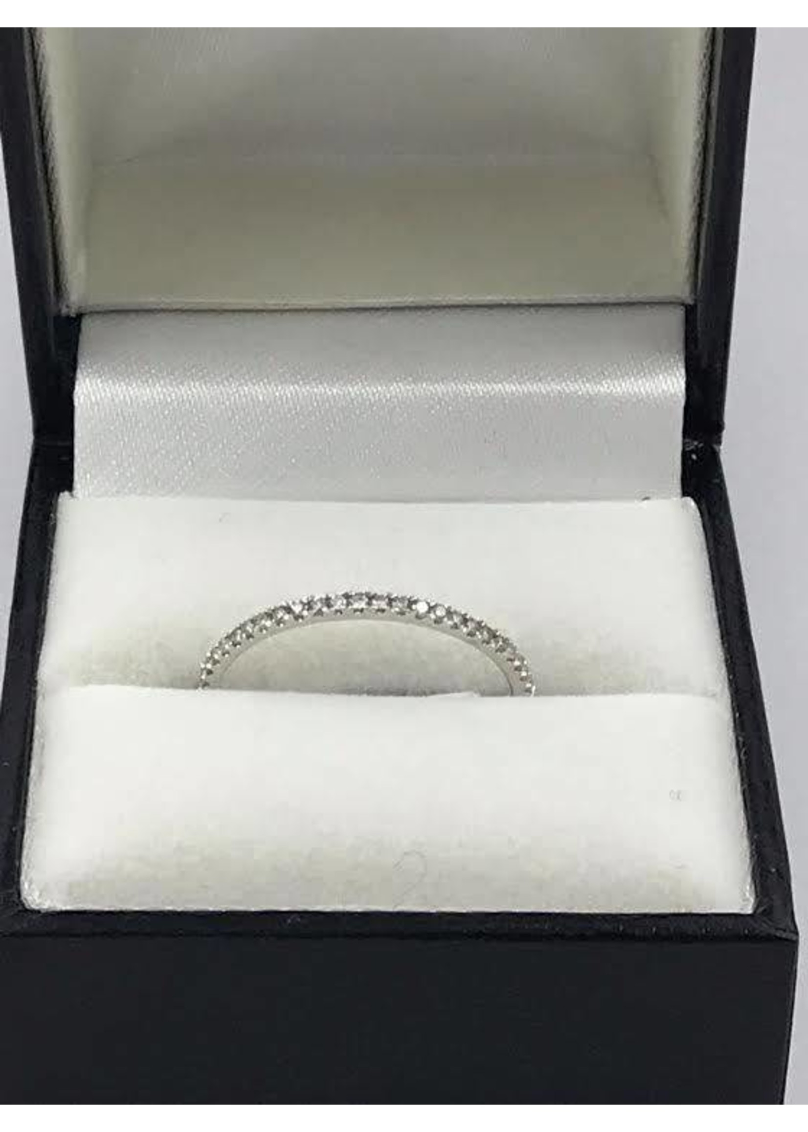 18K WHITE GOLD RING W 0.14CT DIAMONDS