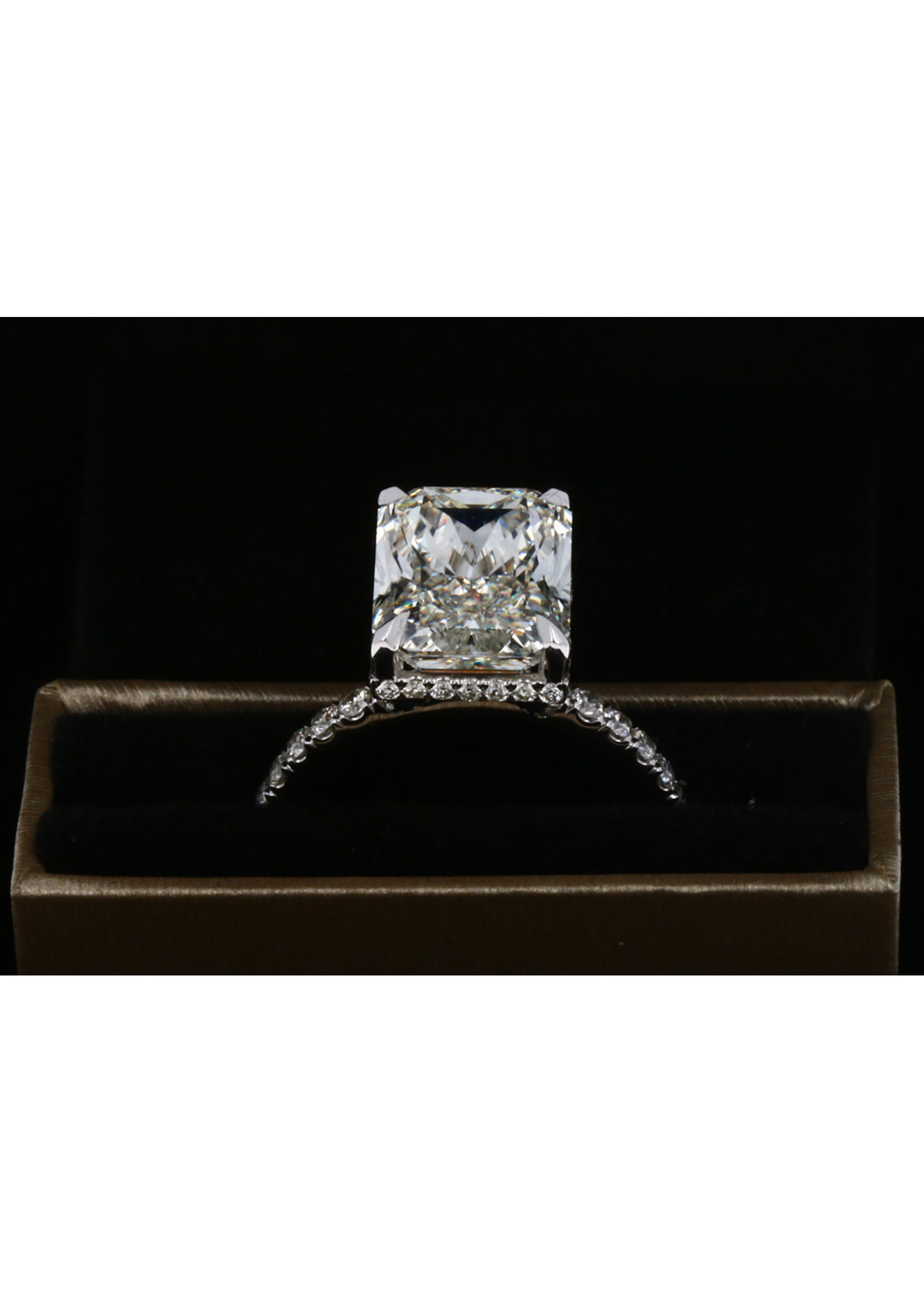 5.82 RADIANT CUT DIAMOND RING SI-I