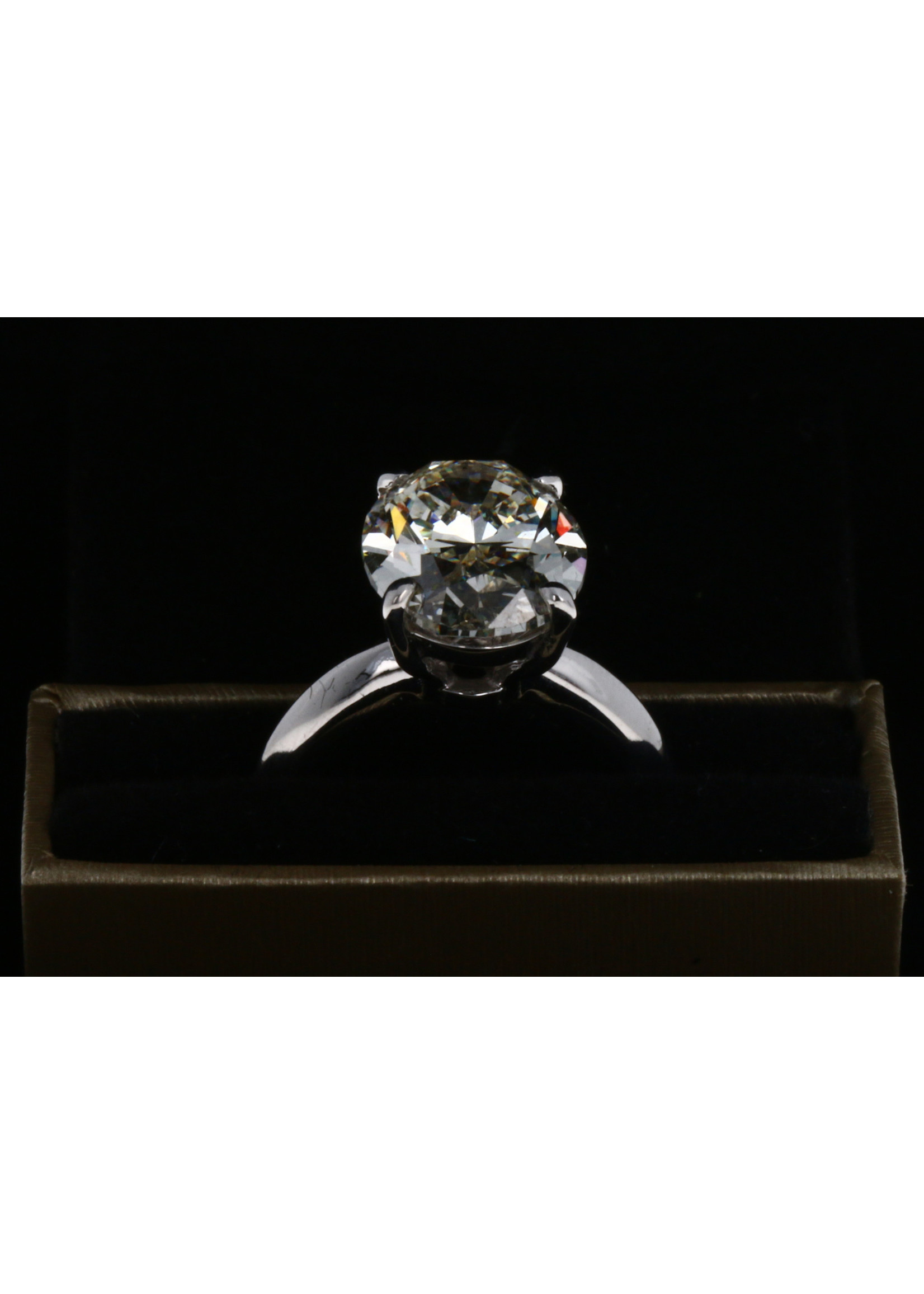 5.97 CT OVAL DIAMOND  RING VS1-K