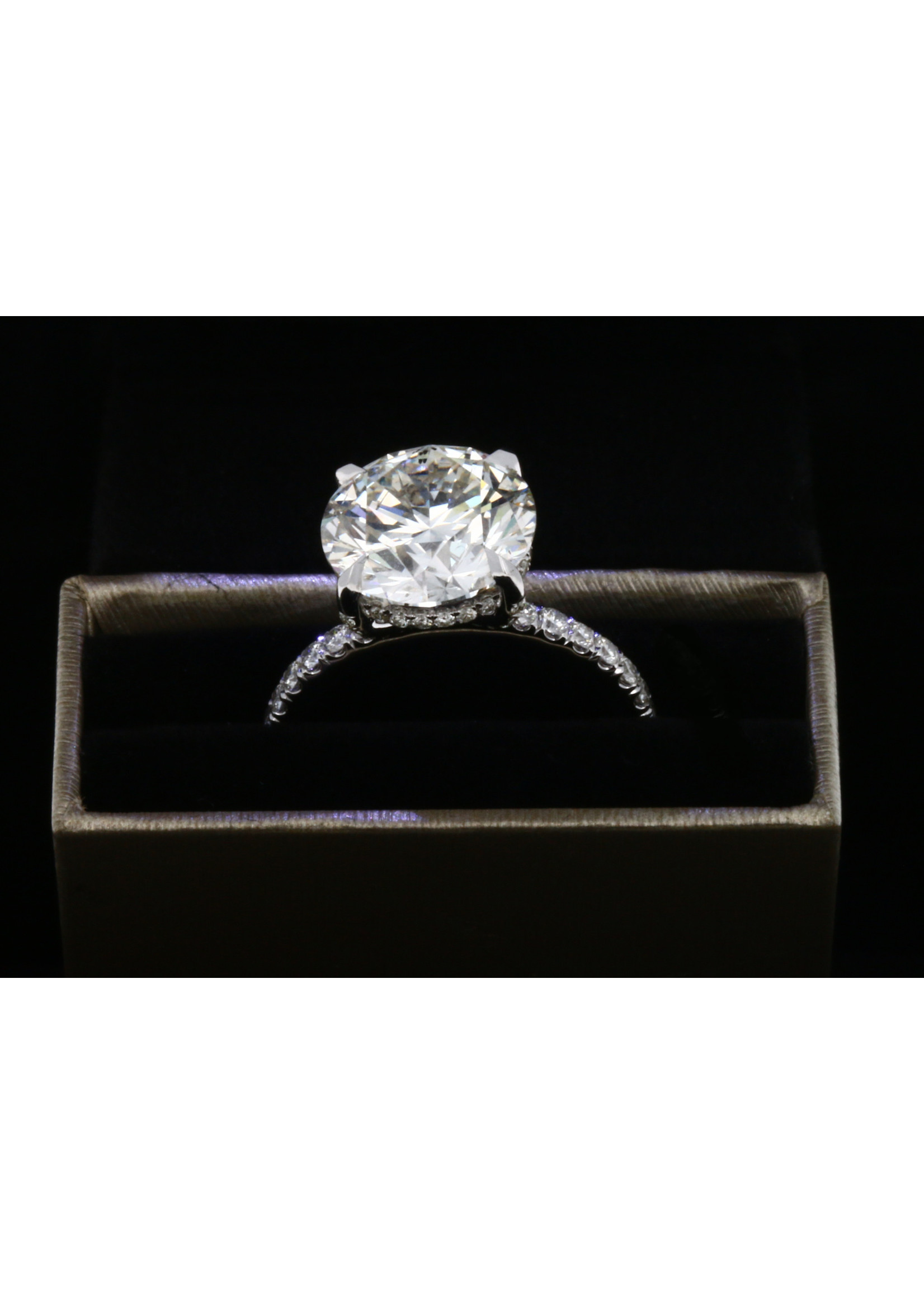 5.04 CT ROUND CUT DIAMOND RING SI1-H