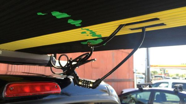 Kanulock: Strapping Down Your Board with Locking Straps