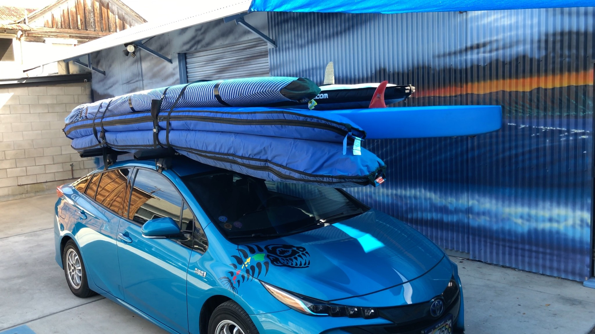 how to strap several boards to car