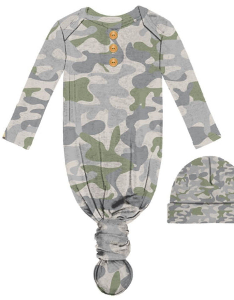 CAMOUFLAGE INFANT GOWN & BEANIE SET
