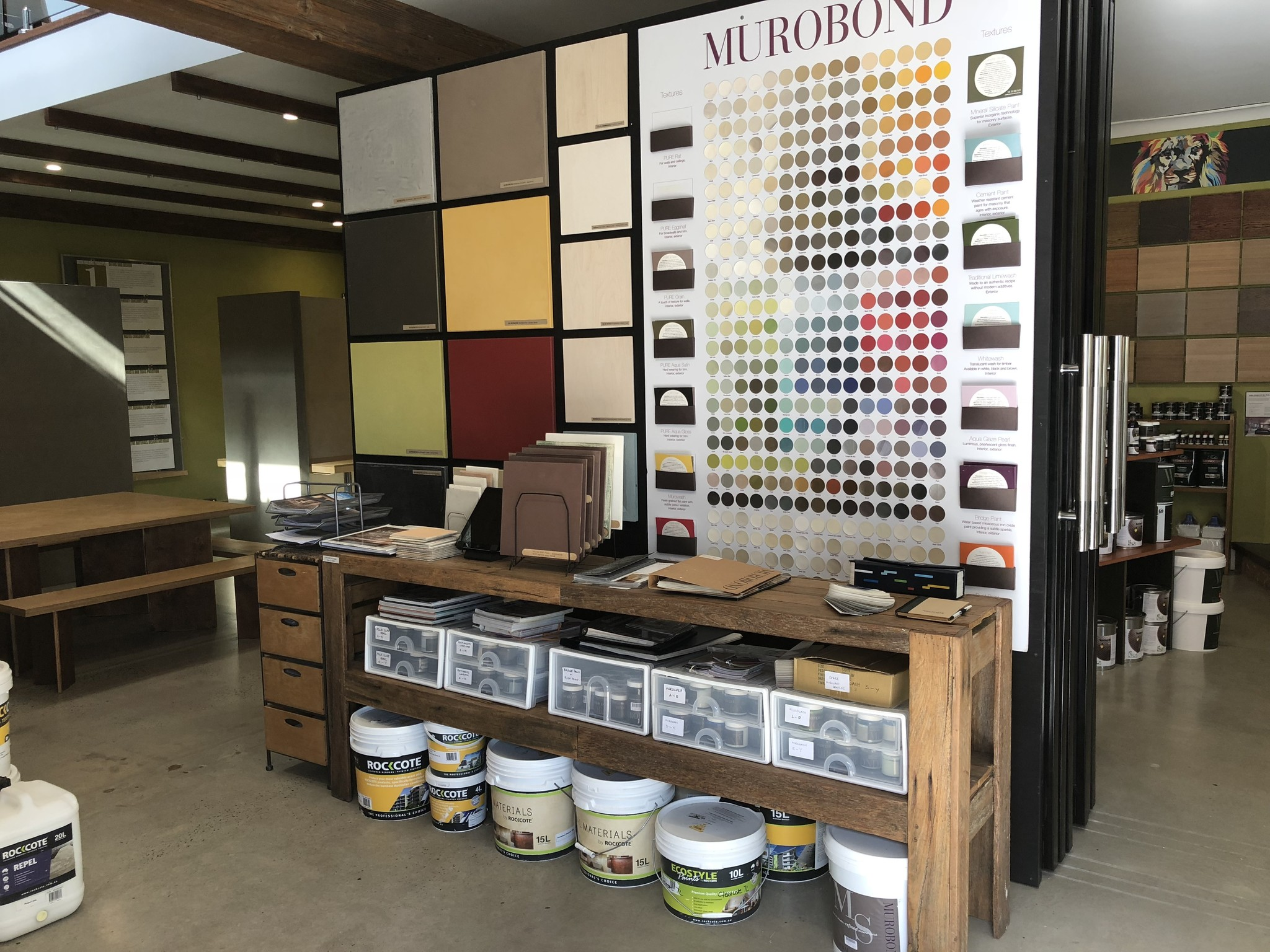 painted-earth-byron-bay-retail-shop-interior