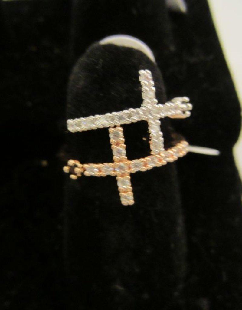 Romeo + Juliet Cross wrap rhinestone ring