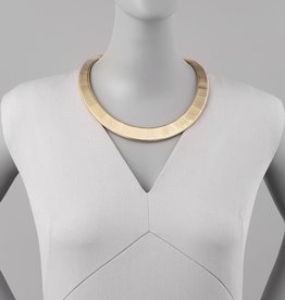 "Jules Smith A polished collar necklace made from a sleek, graduated snake chain.<br><li>Yellow Golden.<li>14k gold plate.<li>Stretchy serpentine chain.<li>Measurements: 19-21""L.<li>Lobster-claw clasp with chain extender."