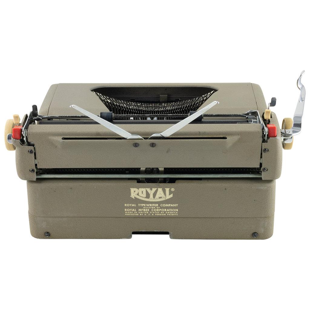 Royal Royal Quiet DeLuxe Typewriter