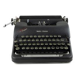 Smith-Corona Smith-Corona Clipper Typewriter