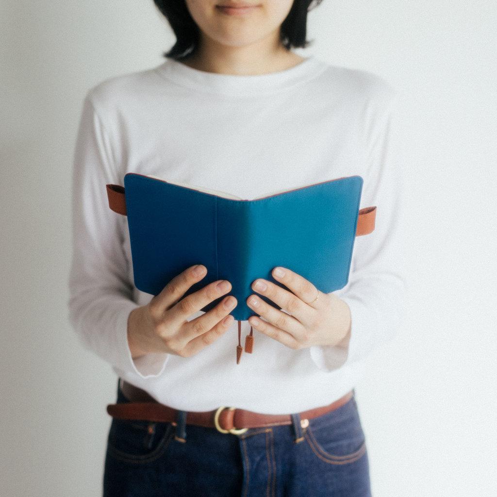 Hobonichi Hobonichi Techo 2022 A6 Colors: Denim Blue