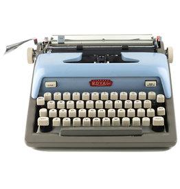 Royal Royal Futura 800 Periwinkle & Grey typewriter
