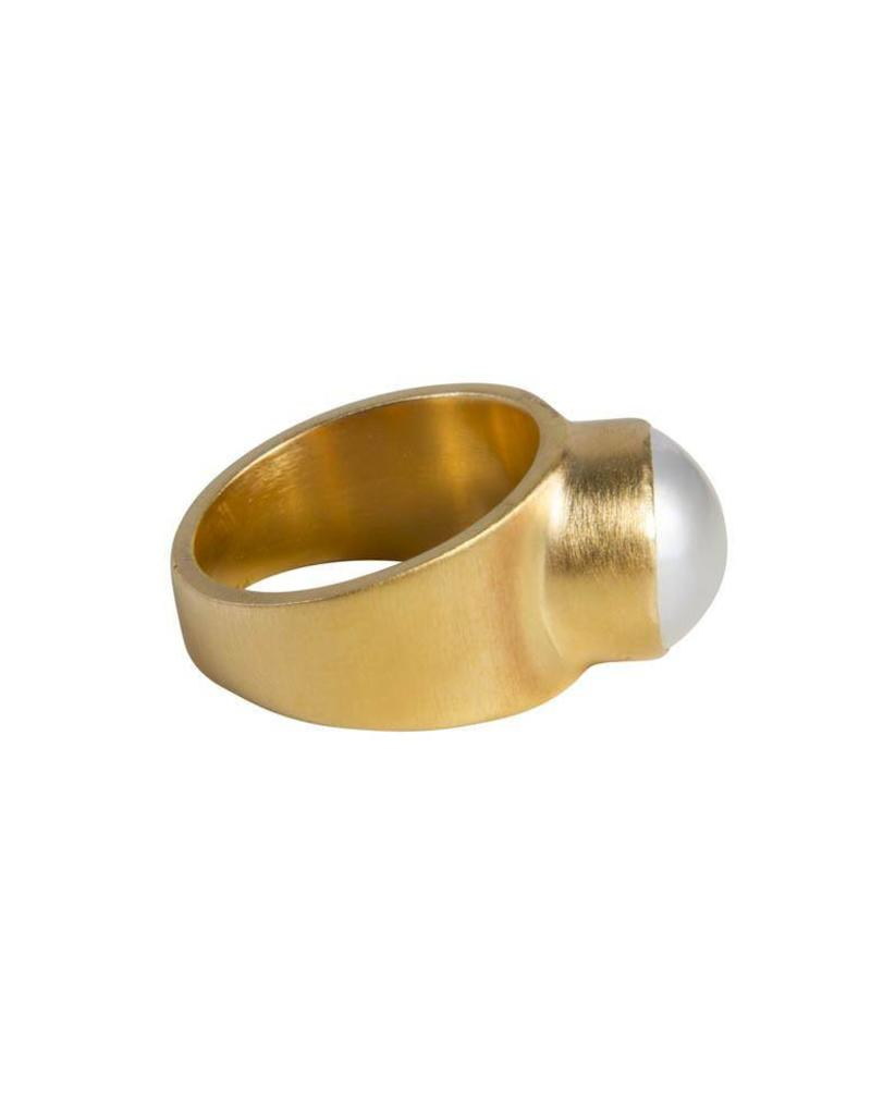 FAIRLEY PEARL DOME RING GOLD