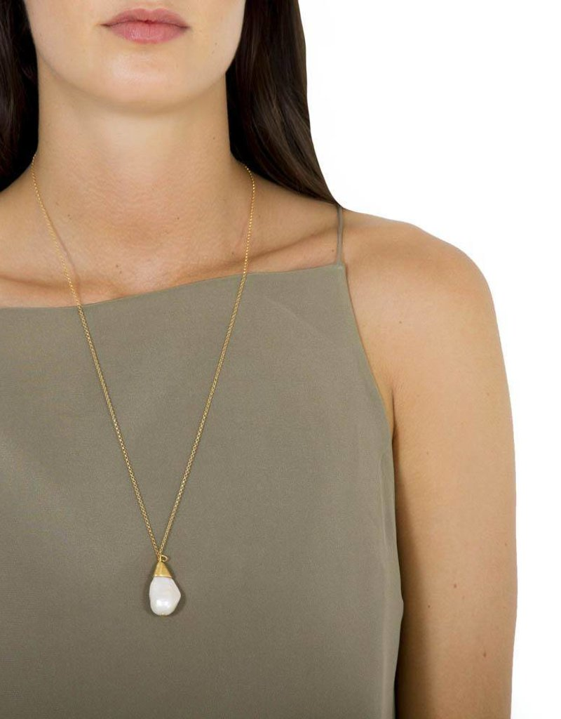FAIRLEY BAROQUE PEARL LARIAT NECKLACE GOLD