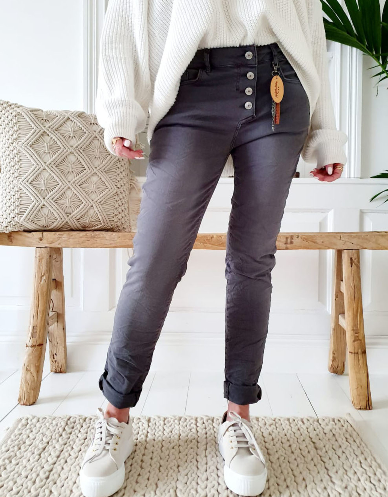 SALE - BYPIAS SUPER COMFY JEANS ALMOST BLACK