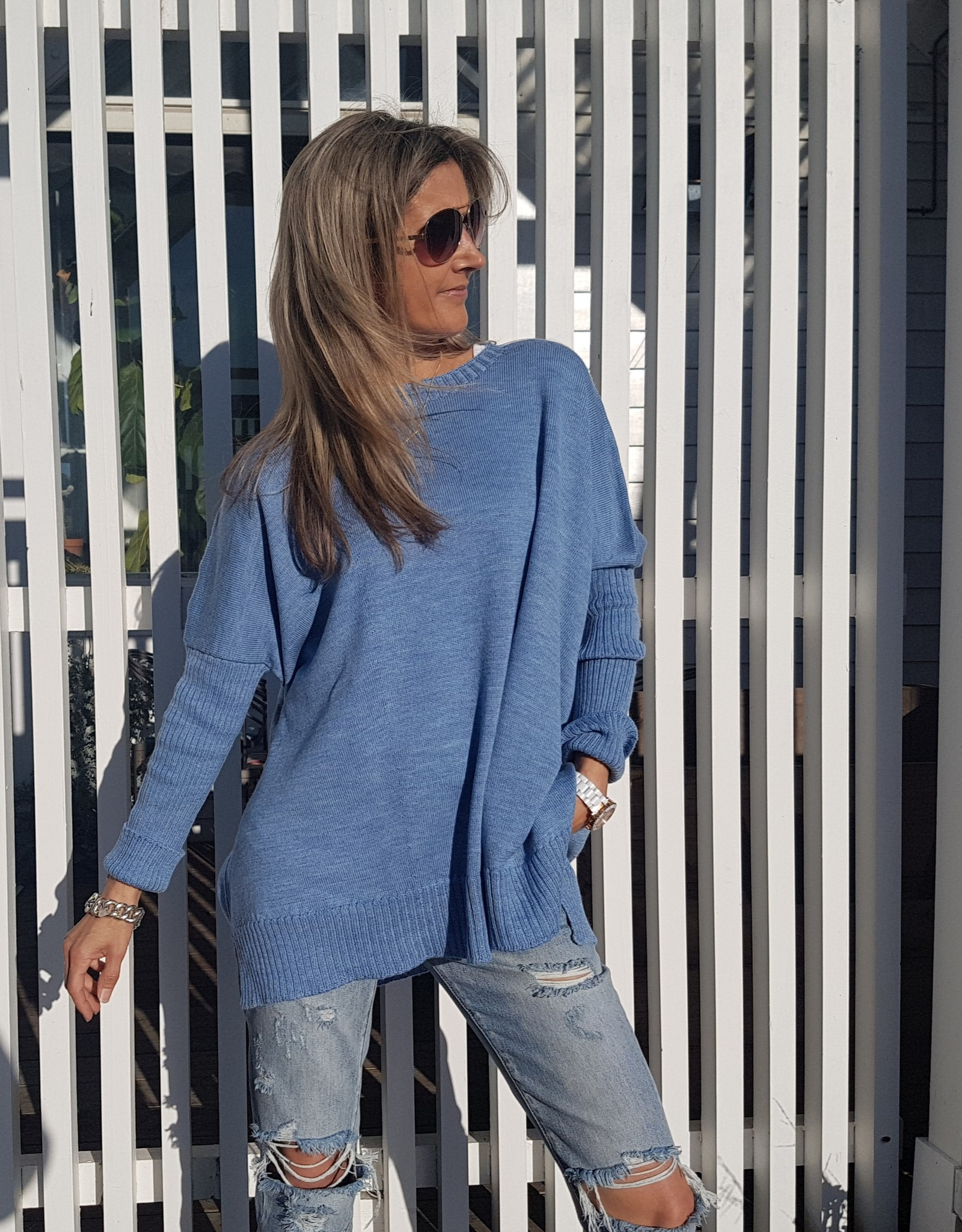 THE KNIT STUDIO MERINO BOXY SPLIT CREW NECK BLUE