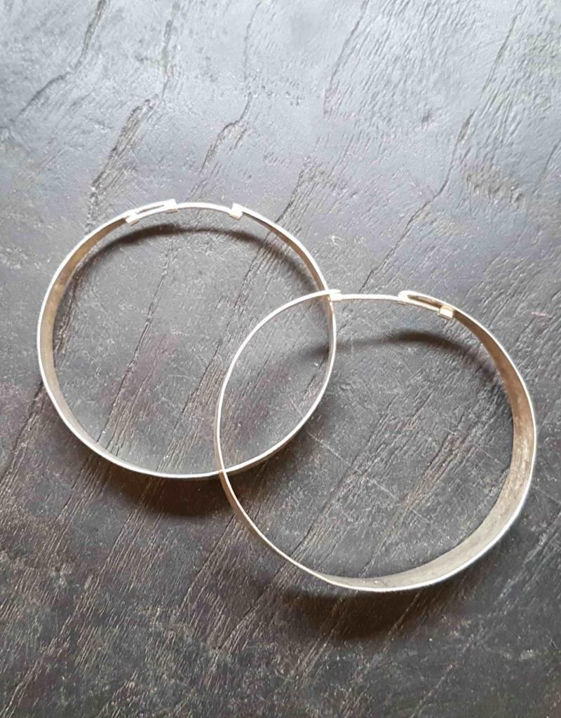EWA SAWOS HOOPS EARRINGS