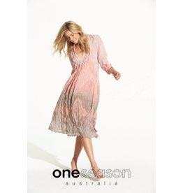 ONESEASON MIA DRESS TAJ BLUSH/LATTE