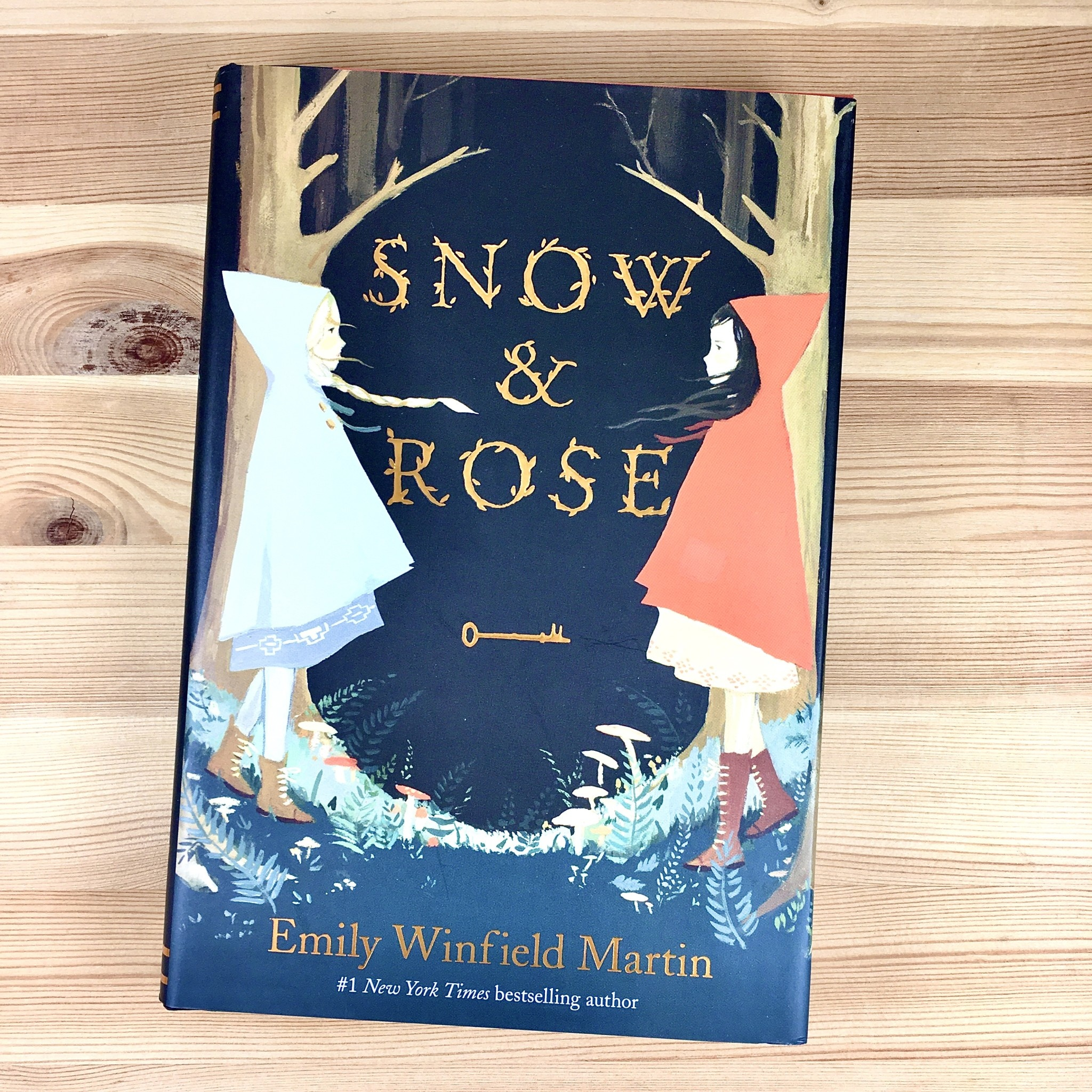 The Black Apple Snow & Rose Book - Emily Winfield Martin