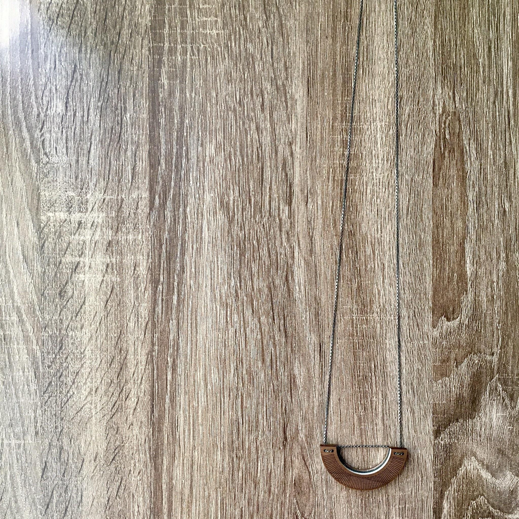 Bird of Virtue Agata Walnut Silver Necklace (Gray-Blush-Rose Gold)