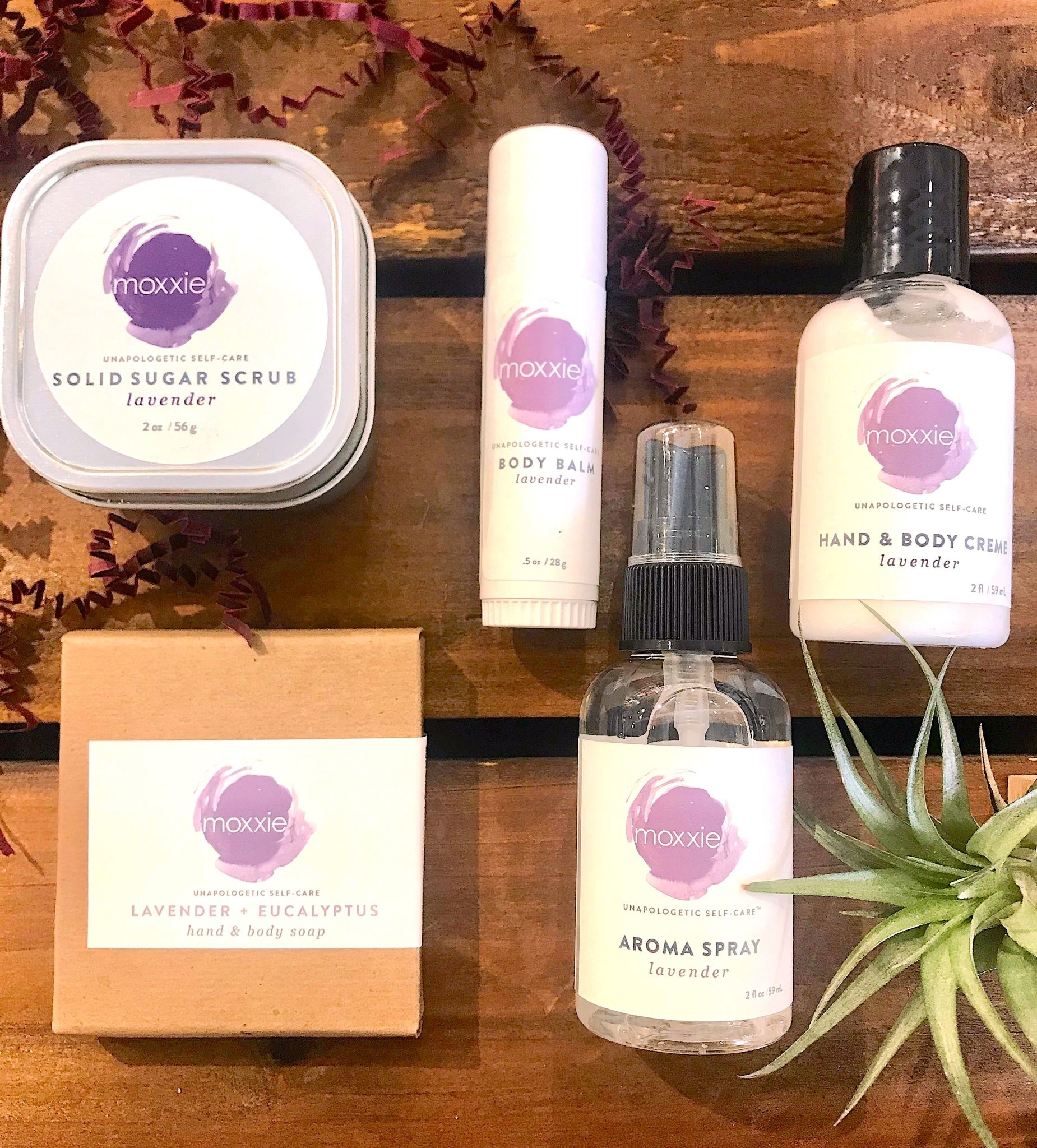Moxxie Essential Care (BO) Travel + Discovery Self-Care Set