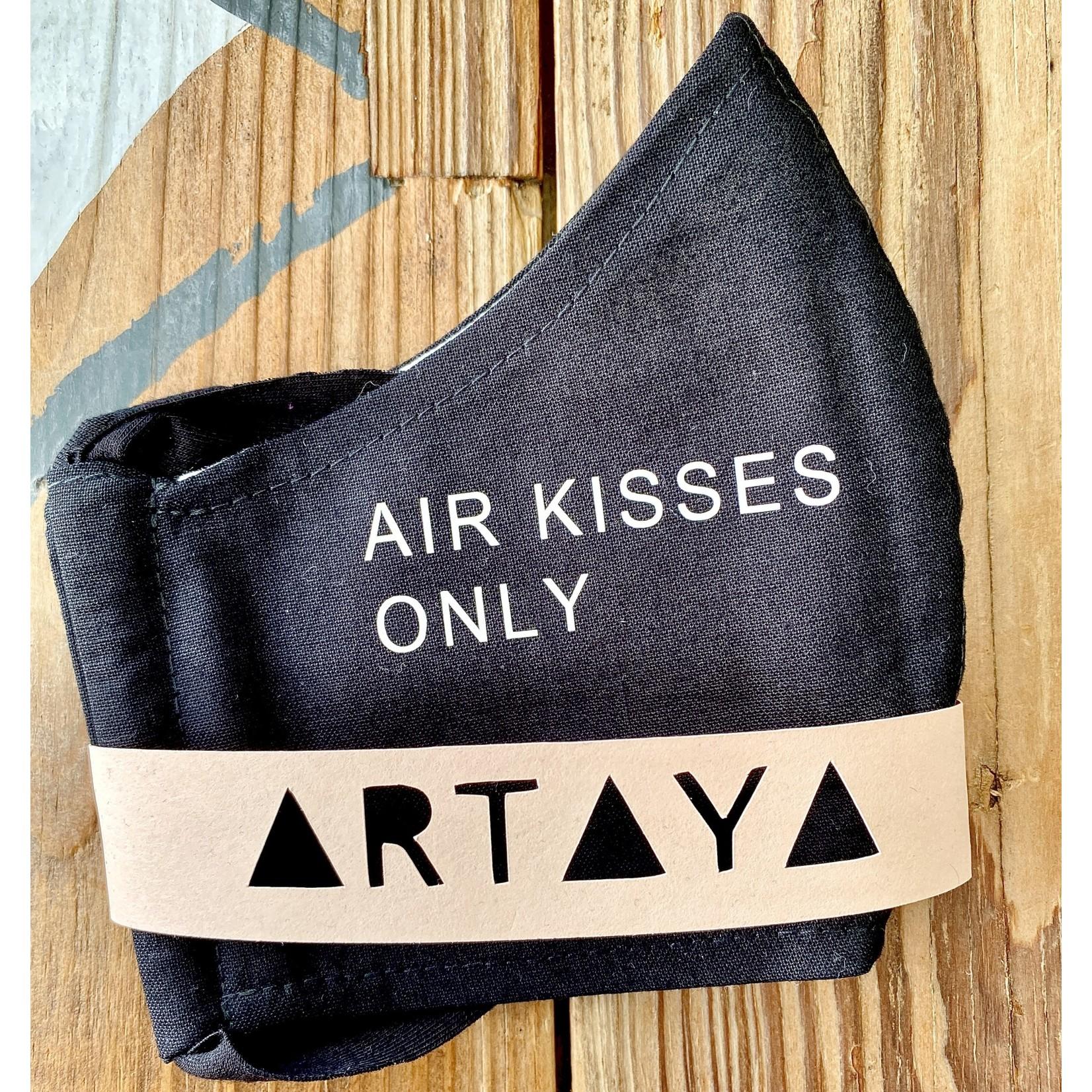 ARTAYA / ARTAYA LOKA (QO) (BO) Adult Face Masks: Air Kisses Only