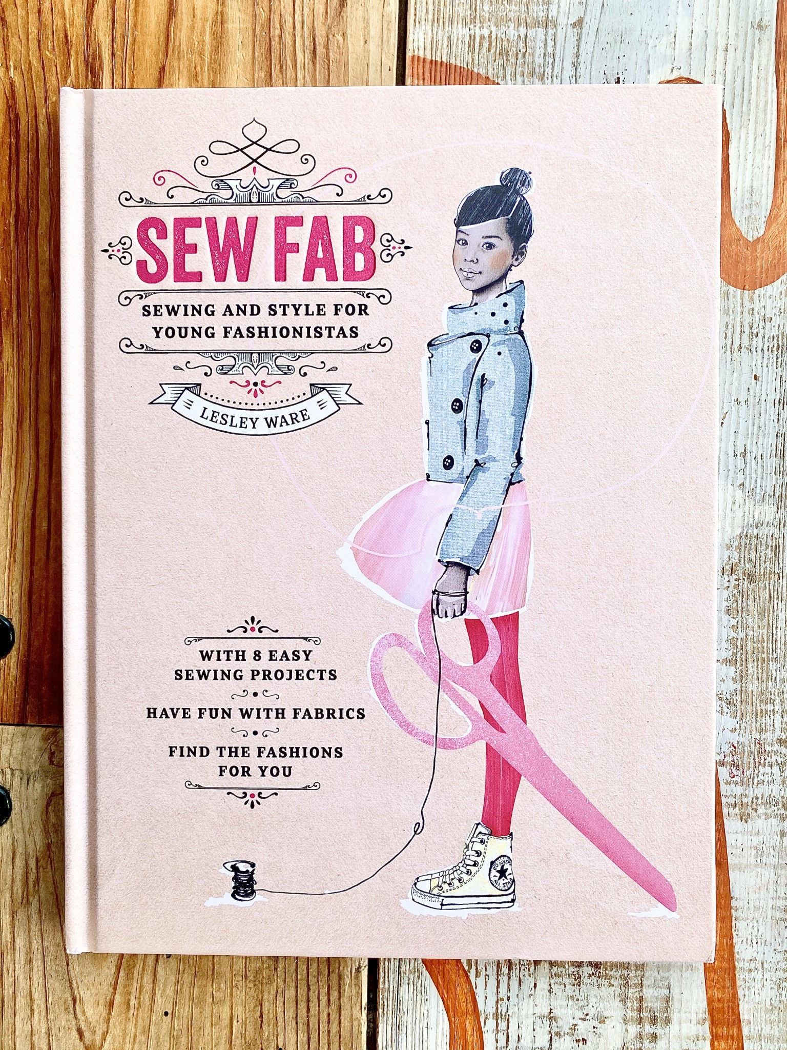 The Creative Cookie LLC (BO) Sew Fab: Sewing + Style Book