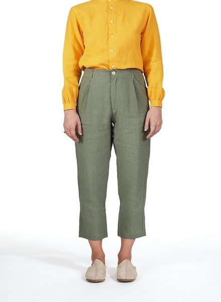 Single-Pleat Linen Pant