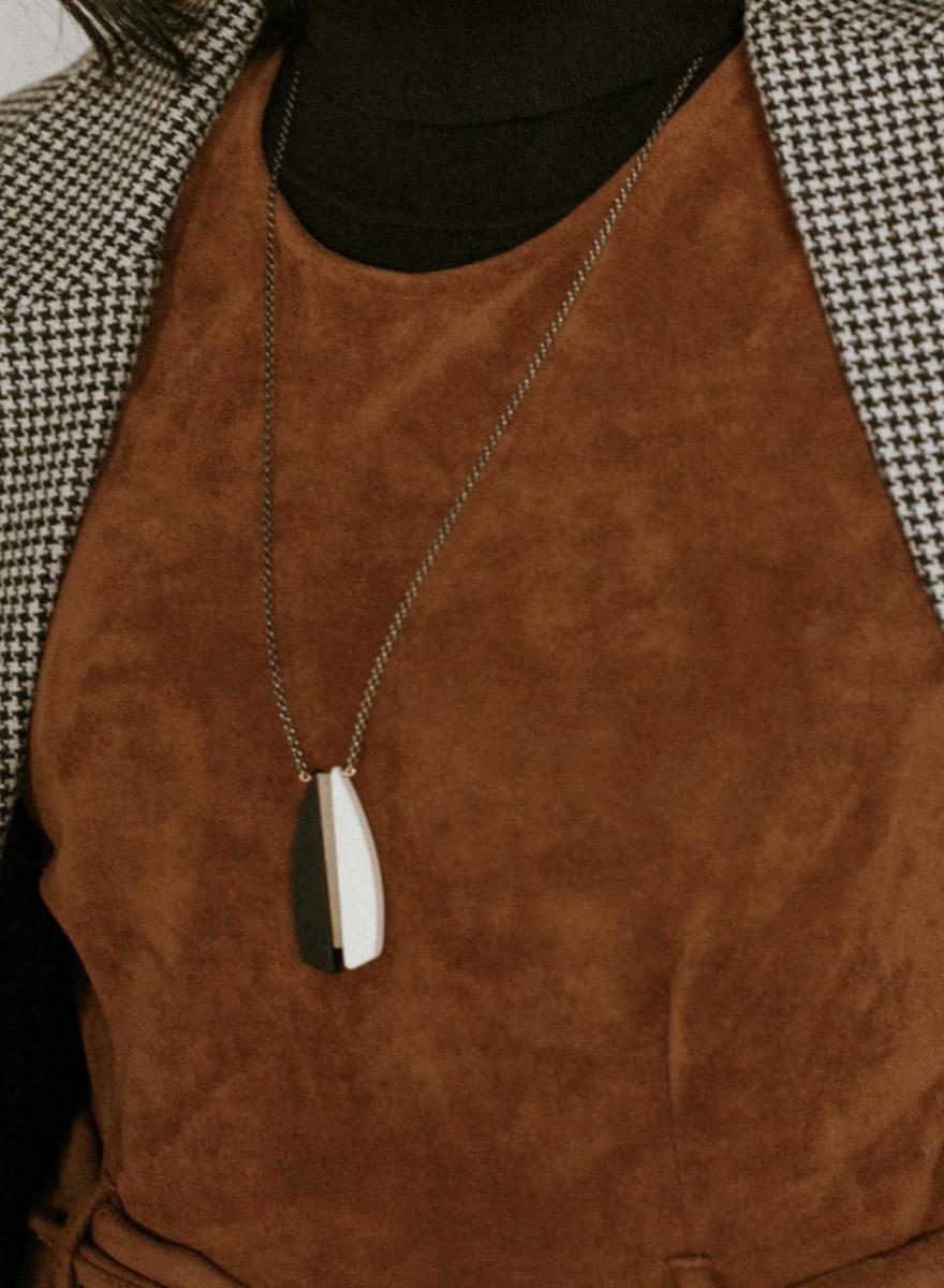 Anemoi Cream Necklace-2