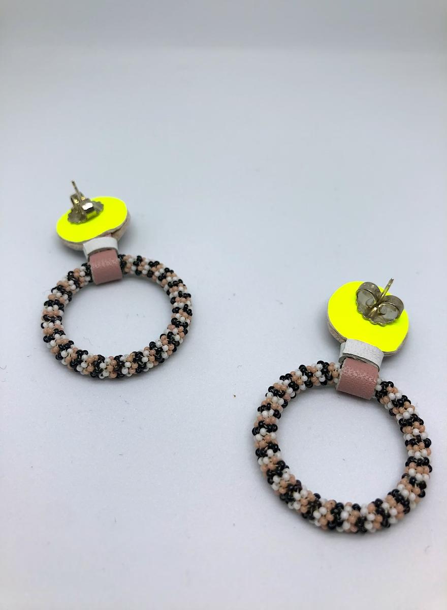 Beaded Hoop Earrings (Black/Pink)-2