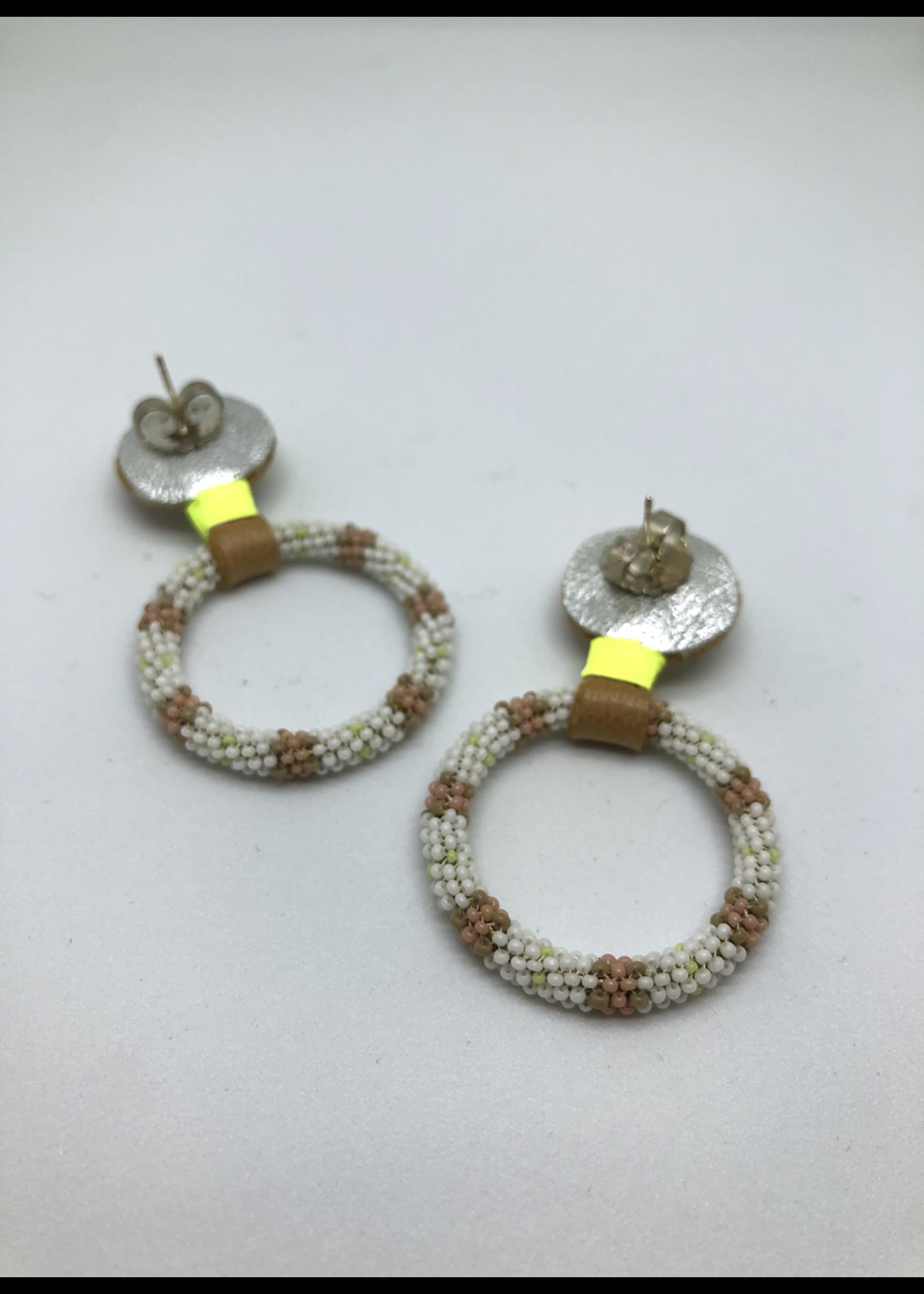 Robin Mollicone Beaded Hoop Earrings (Lemon/Pink)