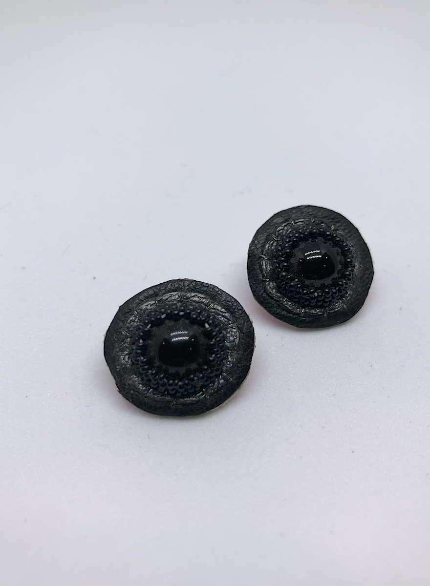Small Stud Earrings (Black)-1