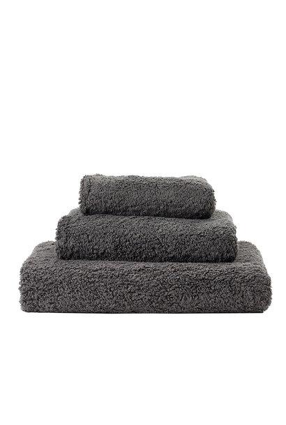 Super Pile Gris Towels