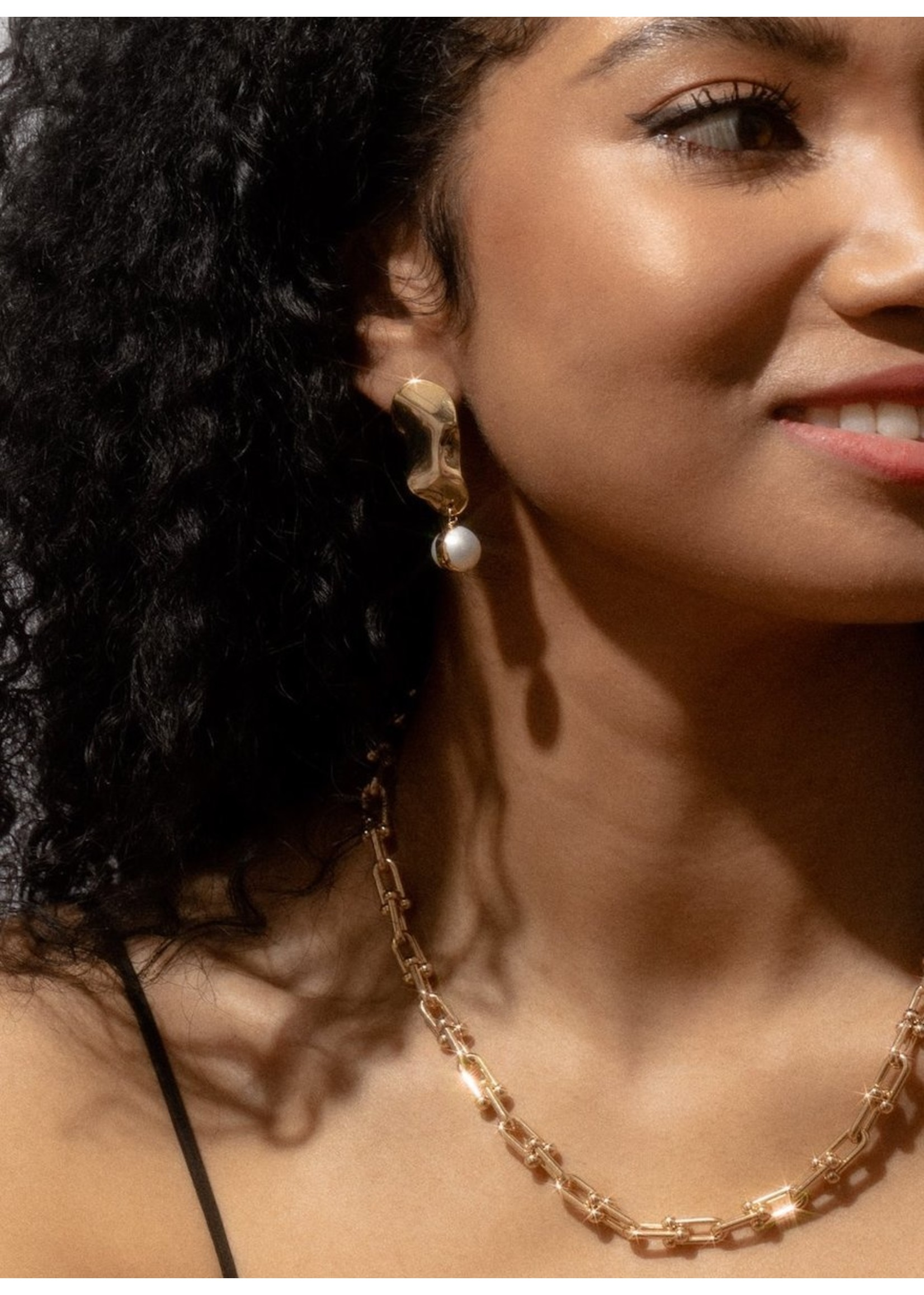 Larissa Loden Larissa Loden Tabitha Pearl Earrings