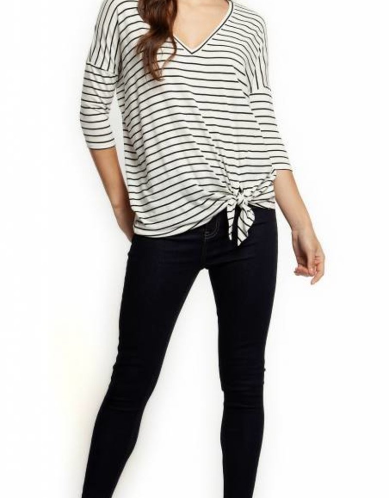 Dex 3/4 SLV V-NECK SIDE TIE TOP -