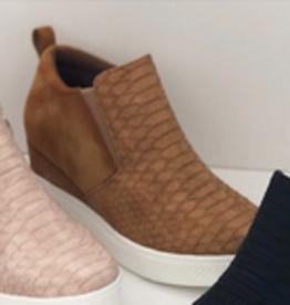 Viva Wedge Sneaker