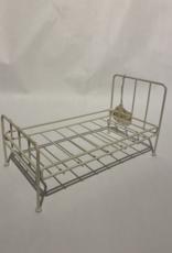 DISPLAY Metal Bed