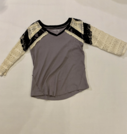 VAULT CLOTHES-Girl Team Tee