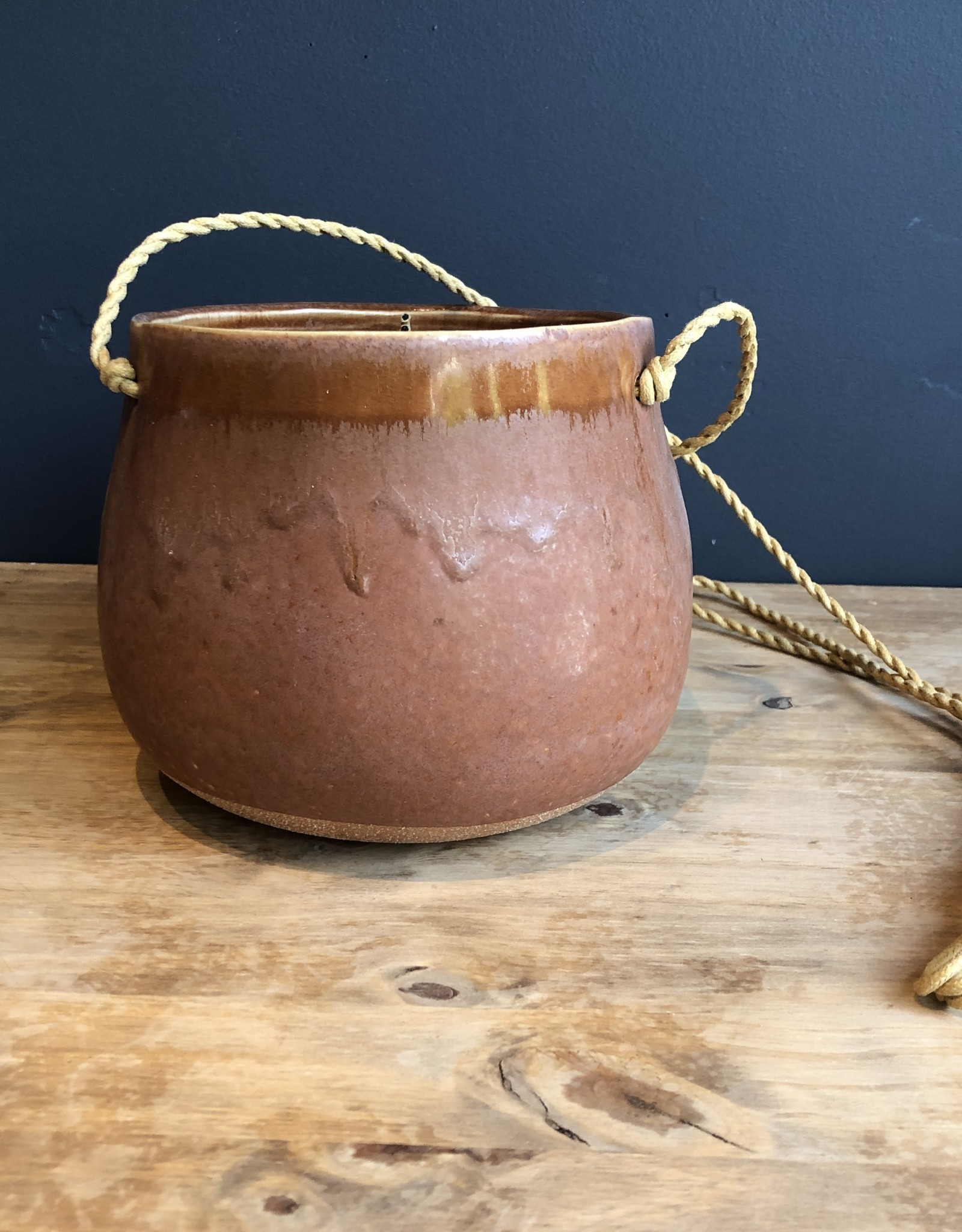 Lela Hanging Pot
