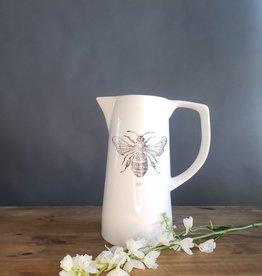 bee pitcher