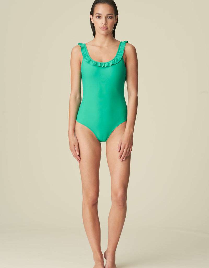 100-2333-Aurelie Scoopneck Suit