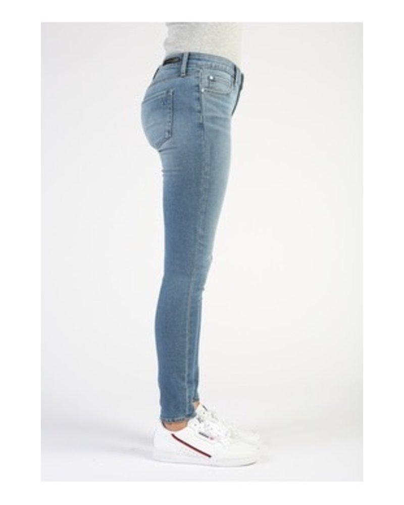 AOS Sarah Ankle Skinny