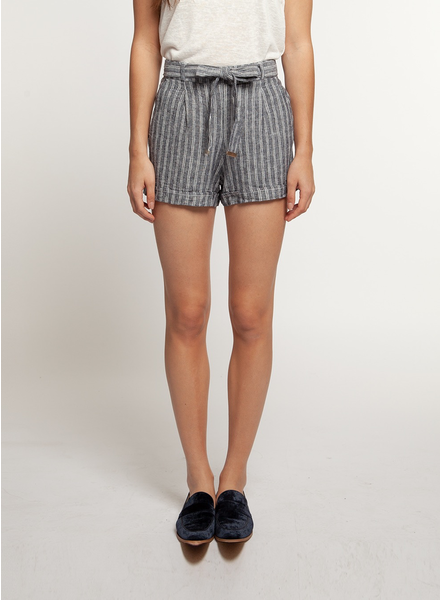 Dex Cuffed Shorts with Belt