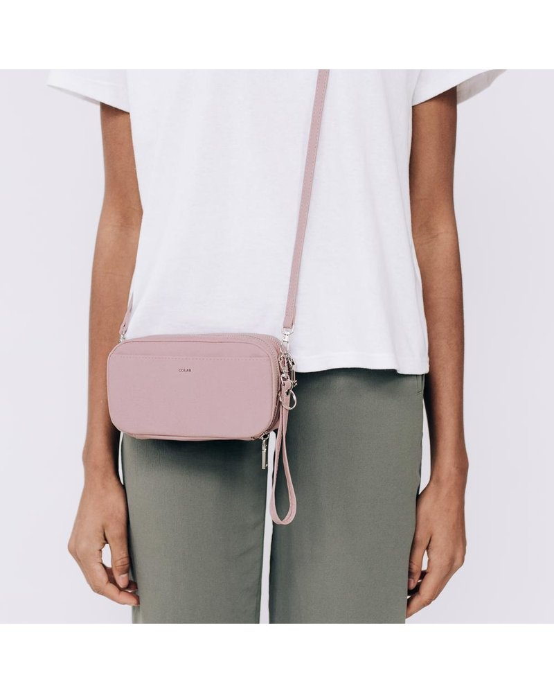 Colab Colab Crossbody Wallet