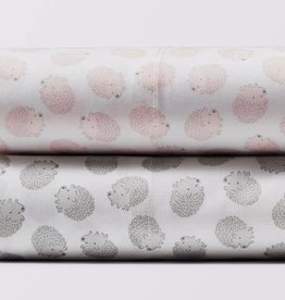 Coyuchi Hedgehog Printed Fitted Crib Sheet - Camellia